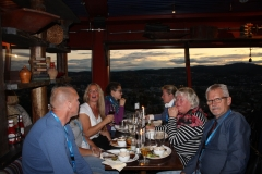 Middag i Tyholttårnet